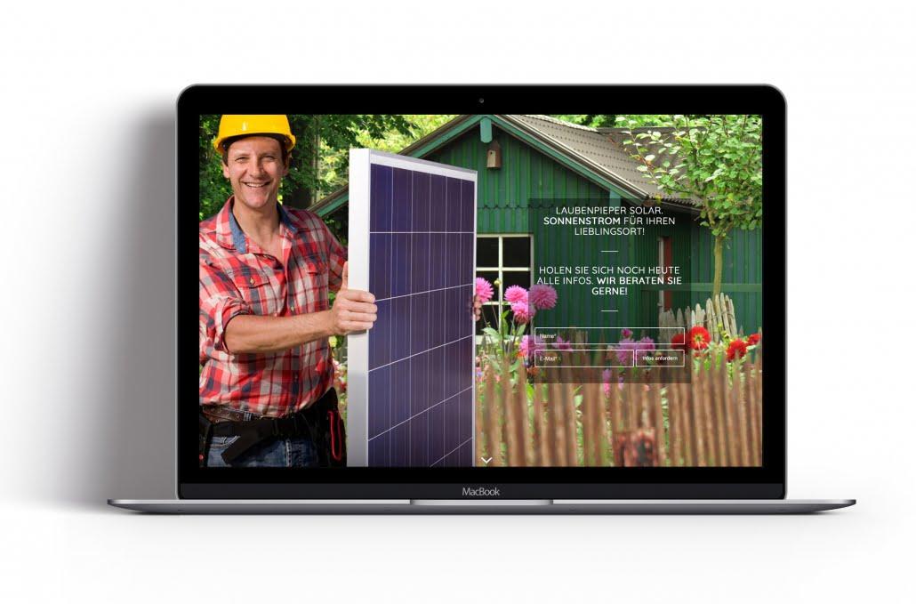 Bottega Design Referenz Illustration Webseite auf MacBook für Laubenpieper Solar